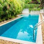 Pourquoi envisager une piscine dans un petit jardin ?